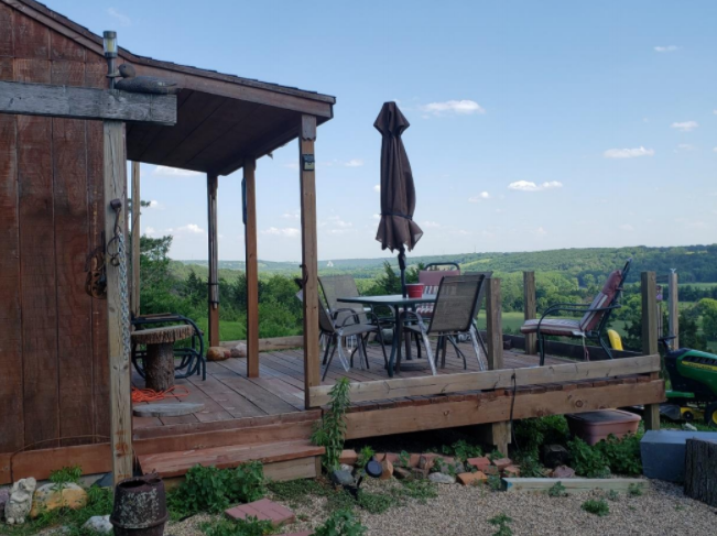 Hill family cabin overlooking Little Sioux River Valley in O'Brien County